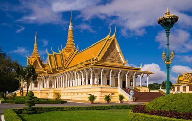 Private Phnom Penh tours